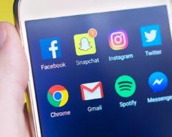 Vita post-mortem sui social: immortalità o trappola digitale?