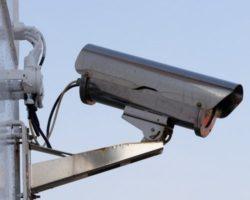 Sistema per la sorveglianza di massa che riconosce volti e raccoglie una vasta mole di dati