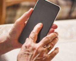 Un over 55 su cinque non sa usare la tecnologia